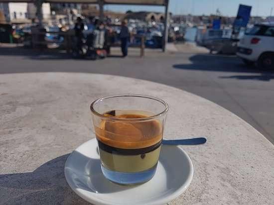 Die italienische Café-Serie: Pistazien und Kaffee auf Sizilien